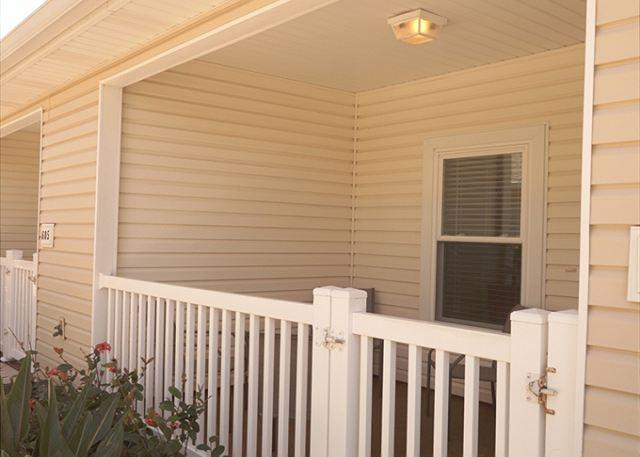 Front patio and entryway - Coastal Cottage - Corpus Christi - rentals