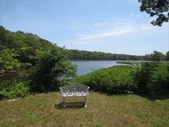 Setting - YOU LL FALL IN LOVE WITH THIS WATERFRONT COTTAGE 115791 - Bourne - rentals