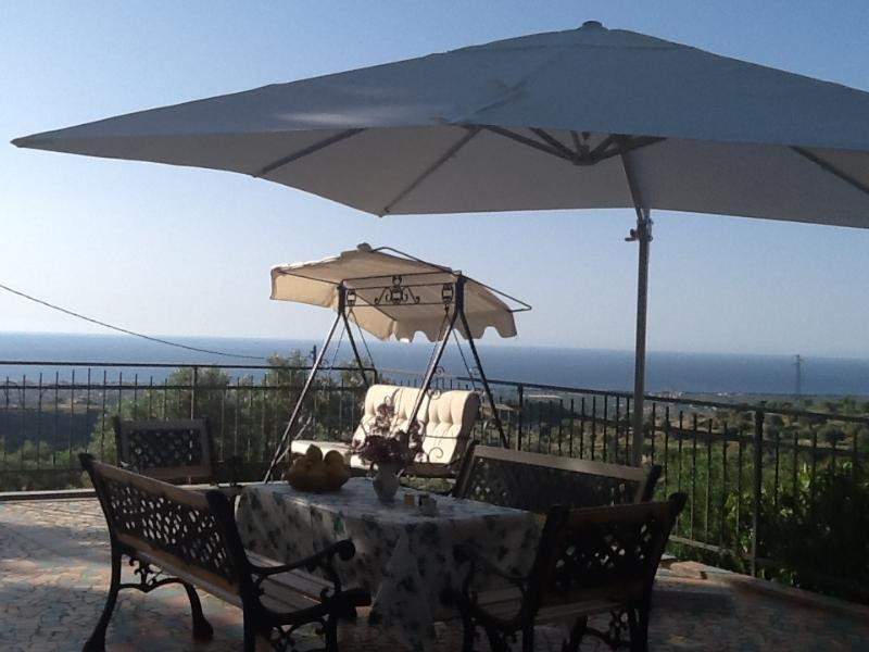 Terrace with the view of the sea - Enchanting Villa On A Hill Near Gerace  Italy - Gerace - rentals
