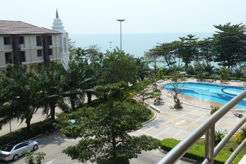 the view - Luxury condo on the Beach Front - Pattaya - rentals