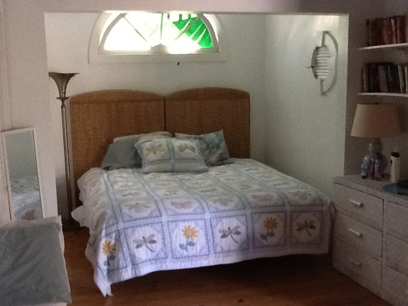 Artist cottage with hot tub - Image 1 - Key West - rentals