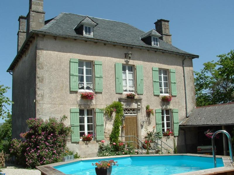 L'ancienne Ecole, a French Manor House - L'ancienne Ecole, Beautiful Country Manor House - Affieux - rentals