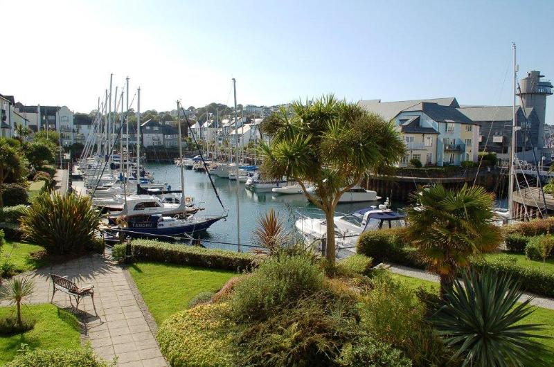 View over Port Pendennis Marina - No5 @ Port Pendennis, Falmouth - Falmouth - rentals