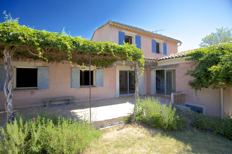 A GOOD YEAR IN PROVENCE - Image 1 - Gargas - rentals