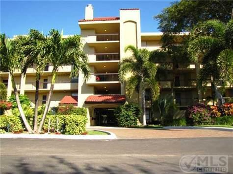 Front of Building - Beautiful Delray Beach Racquet Club(Lavers) Fla. - Delray Beach - rentals