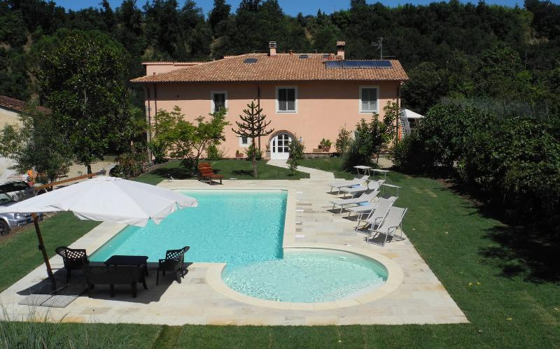 Front view of house.  Anyone for a drink poolside? - Fattoria I Ciliegi 2 Bedroom Apt (Pool & Tennis) - Reggello - rentals