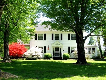 Built around 1858 our Historic Victorian Yadkin Valley Bed And Breakfast is nestled in the heart of The Yadkin Valley Region. Come tour The Yadkin - The Belle House Bed And Breakfast - Hamptonville - rentals