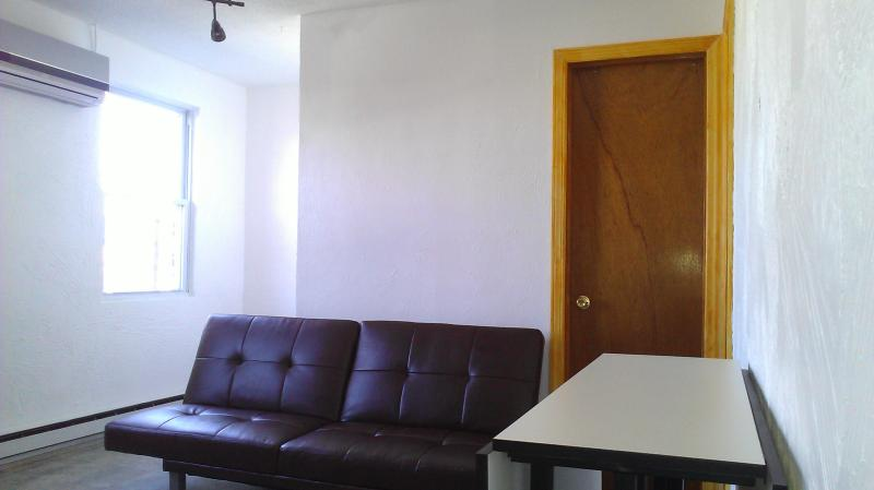 Kitchen and dining area - Modern and luminous apt 15 minutes to NYC - Union City - rentals