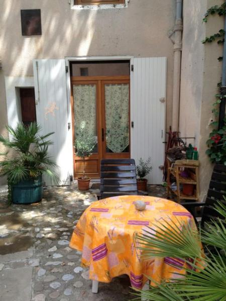 Holiday house in the middle of Fabrezan France - Image 1 - Fabrezan - rentals