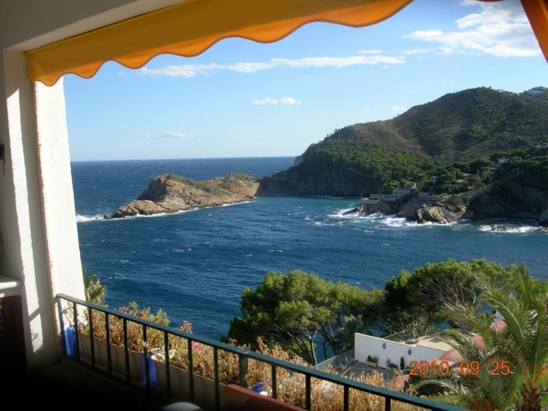 View  - Romantic Studio in front of the sea - World - rentals