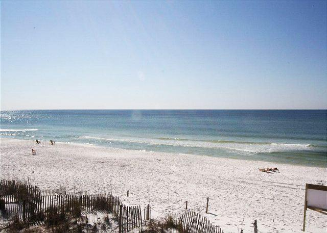 Sandollar Townhome Directly on the Beach ~ Free Golf, Fishing & Snorkeling!! - Image 1 - Destin - rentals