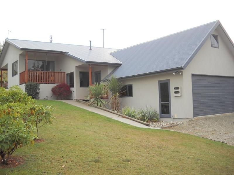 Exterior - Close to Town - Wanaka - rentals