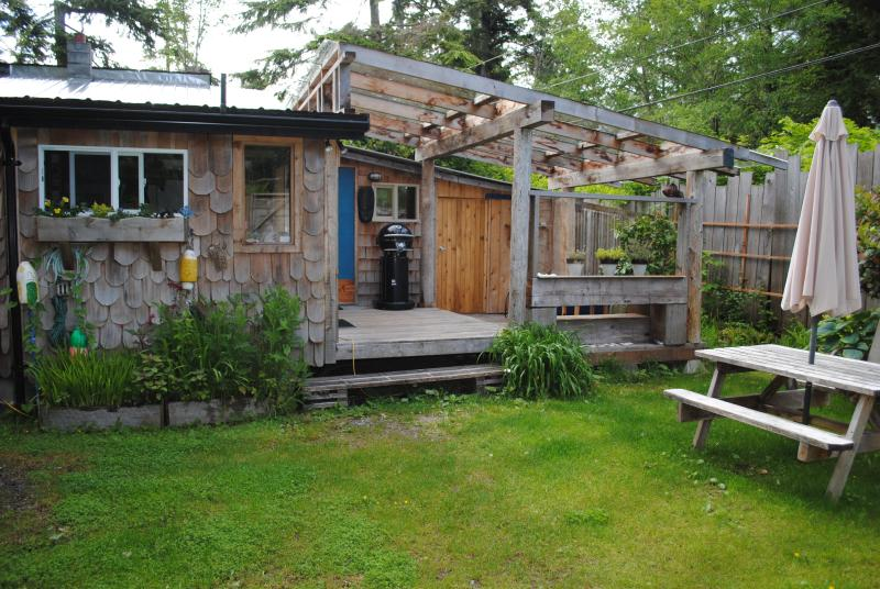 Shipwreck cottage - Gold Coast Retreat Shipwreck Cabin Chesterman Bch. - Tofino - rentals