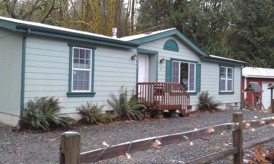 Front of Cabin 18 - Cabin #18 - 3 bedrooms, 2 baths - Private Hot Tub & Pet Friendly! - Maple Falls - rentals
