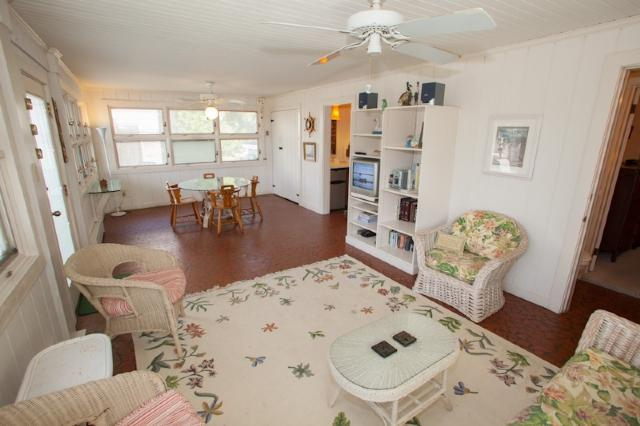 Florida Room - 119 B 55.5 Street - Virginia Beach - rentals