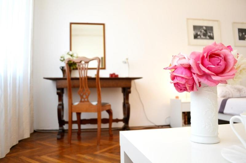 New Apt Gallery 5 min to Main Square - Image 1 - Zagreb - rentals