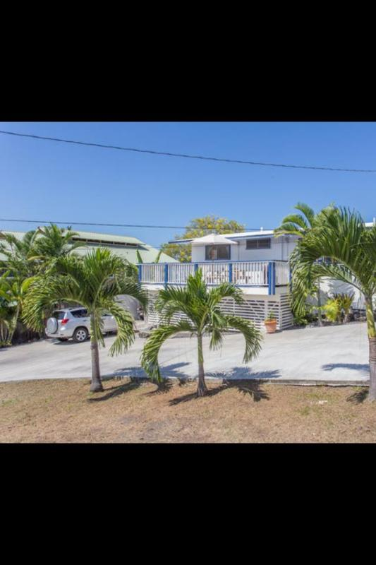 Front View of Vacation Rental - Ocean View Home 3 minutes to Beach - Kailua-Kona - rentals