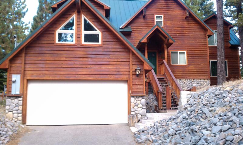 CRYSTAL LODGE - GOREOUS CUSTOM CABIN  - CRYSTAL LODGE - GORGEOUS VACATION HOME - South Lake Tahoe - rentals