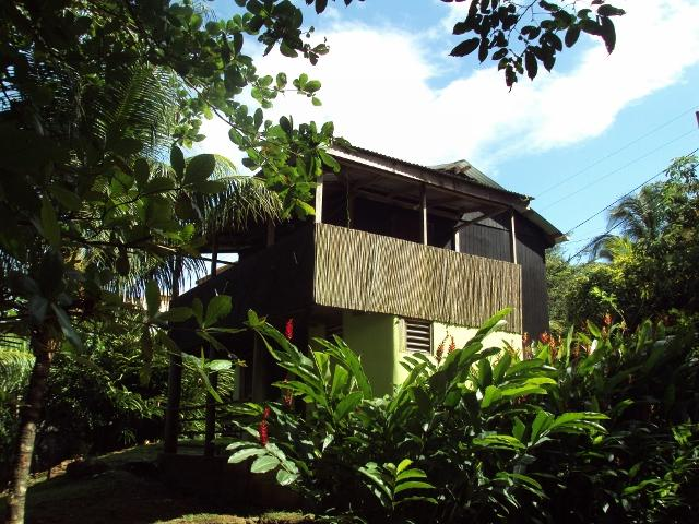 The house surrounded by tropical flowers - Riversideview House - Calibishie - rentals