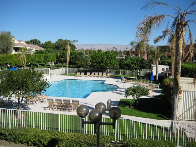 Main Pool with Gorgeous Views - BEST LOCATION DOWNTOWN PALM SPRINGS PLAZA VILLAS - Palm Springs - rentals