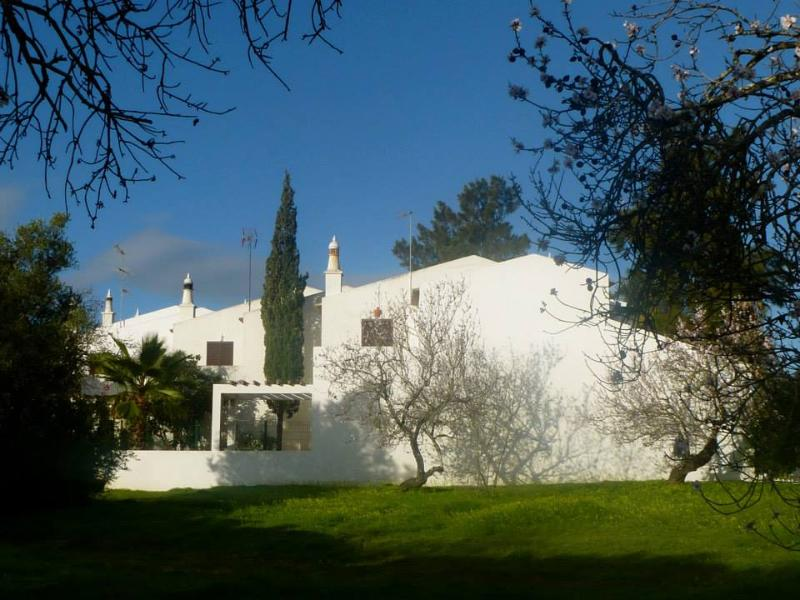 Side view of house from open meadow Jan 2014 - 3 bedroom house for beach/nature lovers in Tavira - Wild Rose - rentals
