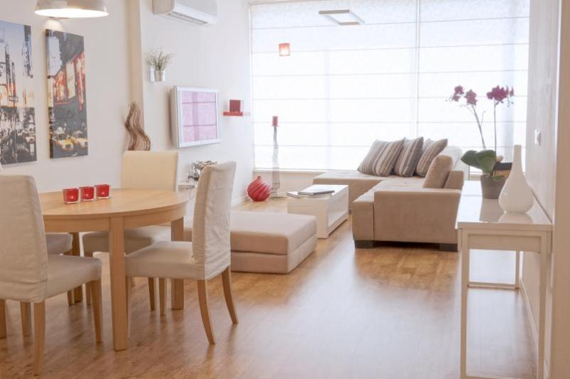 Beautiful modern 2 bedrooms with 2 bathrooms centrally located - Image 1 - Tel Aviv - rentals
