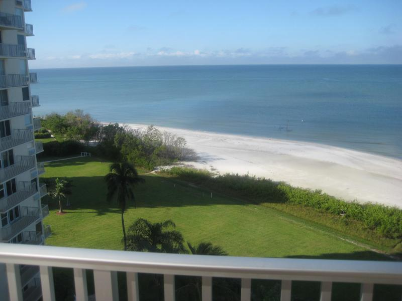 Our gorgeous Gulf view extends to the southwest - EBT #904A - Direct Gulf View, 9th fl  + Beachfront - Fort Myers Beach - rentals