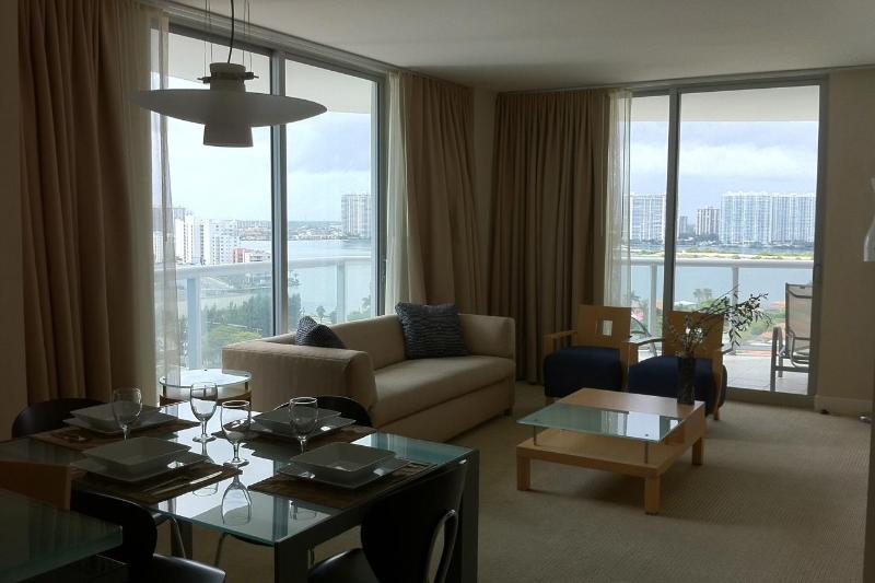 Ocean view 2 Bedrooms apt  - 2 Bedrooms apt at Marenas Resort Ocean View or Ocean F - Sunny Isles Beach - rentals