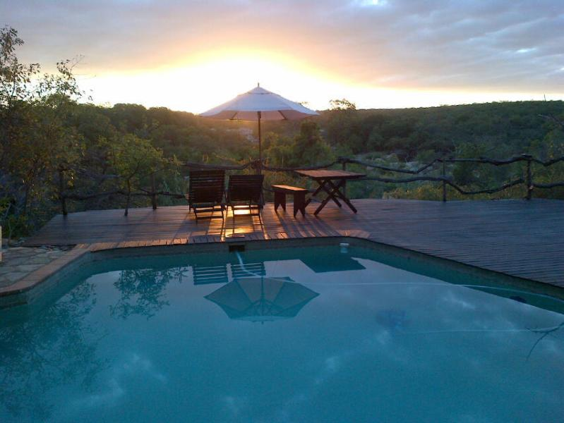 Sunset on the pool deck - Little Carthage Hoedspruit - Hoedspruit - rentals