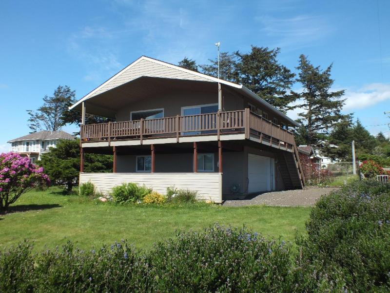 Just 2 blocks from the Beach! - Image 1 - Cape Meares - rentals