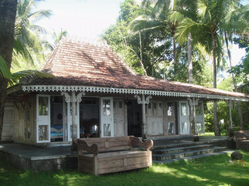 Traditional Javanese House  - Traditional Javanese Beach House - Bali - rentals