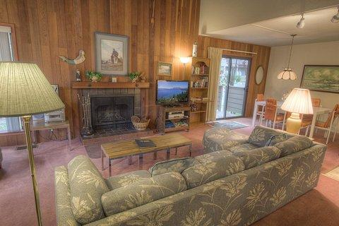 Coeur-Du-Lac Condo Walking Distance to Private Beach ~ RA673 - Image 1 - Incline Village - rentals