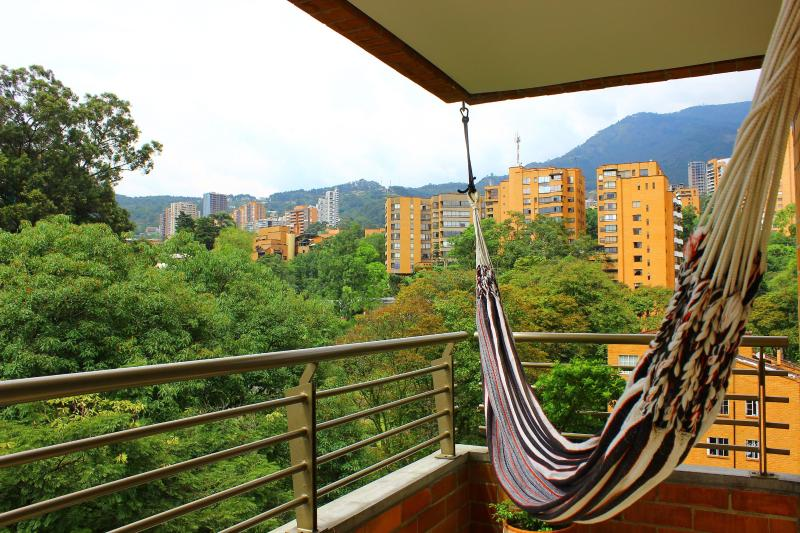 Want to read or take a nap? - OASIS 101 - Peace Near Parque Lleras - Medellin - rentals