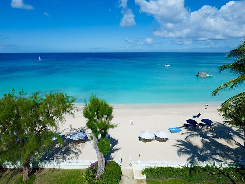 Old Trees Penthouse - La Mirage at Paynes Bay, Barbados - Beachfront, Pool, Central Air-Conditioning - Image 1 - Paynes Bay - rentals