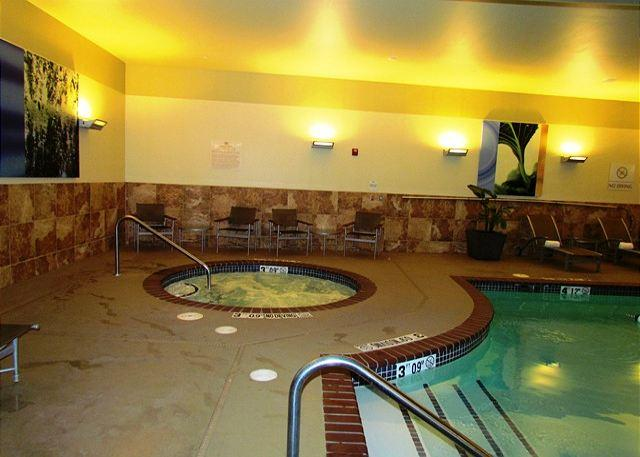Hot Tub - Branson Landing 515-1 Bedroom, 1 Bath, Luxury Condo - Branson - rentals