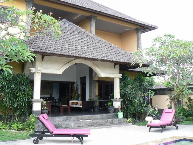 Poolside entertainment area - Discount- Villa Este Bali 4 bd home away from home - Legian - rentals
