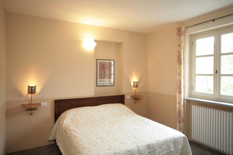Spacious one bedroom  - One bedroom apartment in restored country house - Santo Stefano Belbo - rentals