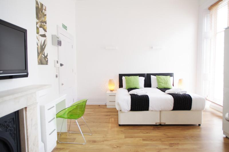 Modern Bloomsbury Studio - Image 1 - London - rentals