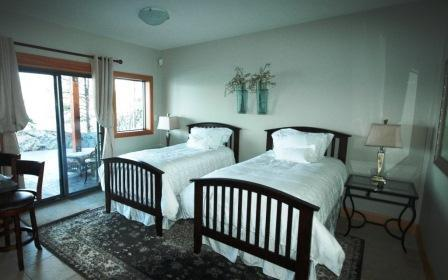 Hummingbird Suite for 1 or 2 - Waterfront Haven on Lake Okanagan - Peachland - rentals