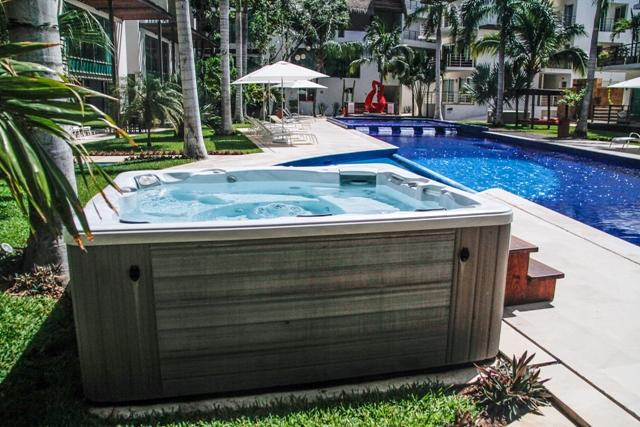 Via 38 - Best pool and place. Luxury 2 bed - Image 1 - World - rentals