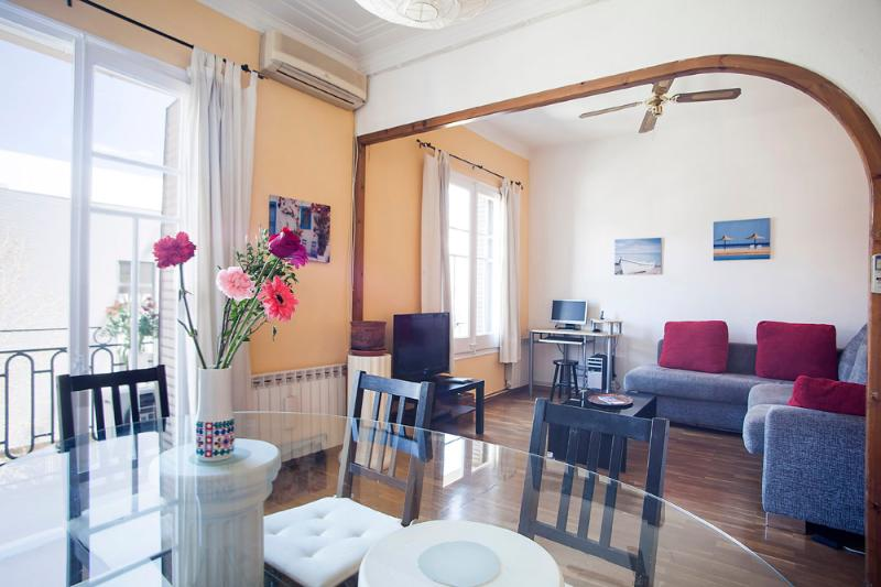Beautiful fully equipped apartment only three minutes from the Sagrada Familia - Near to the Sagrada Familia (sleeps up to six) - Barcelona - rentals