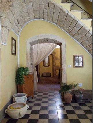 Entrance (ground floor) - Charming period-style house between sea and mountains - Cuglieri - rentals
