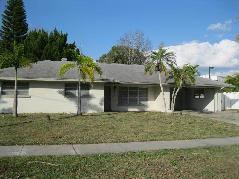 Steps From The Ringling College Of Art & Design - Image 1 - Sarasota - rentals