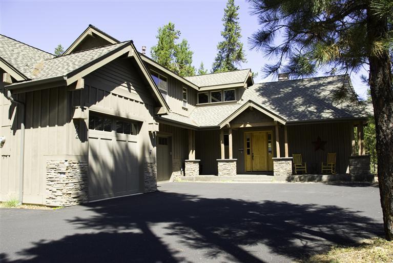 22 Filbert Lane, Sunriver, Oregon - FANTASTIC 2006 Lodge Home with 4 Bedroom Suites! - Sunriver - rentals