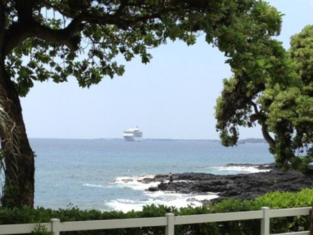 Ships Are In - BEST RESORT - OceanFront Property - OceanView Condo -  Walk To Town - 5 *** Resort - Concierge Onsite - Kailua-Kona - rentals