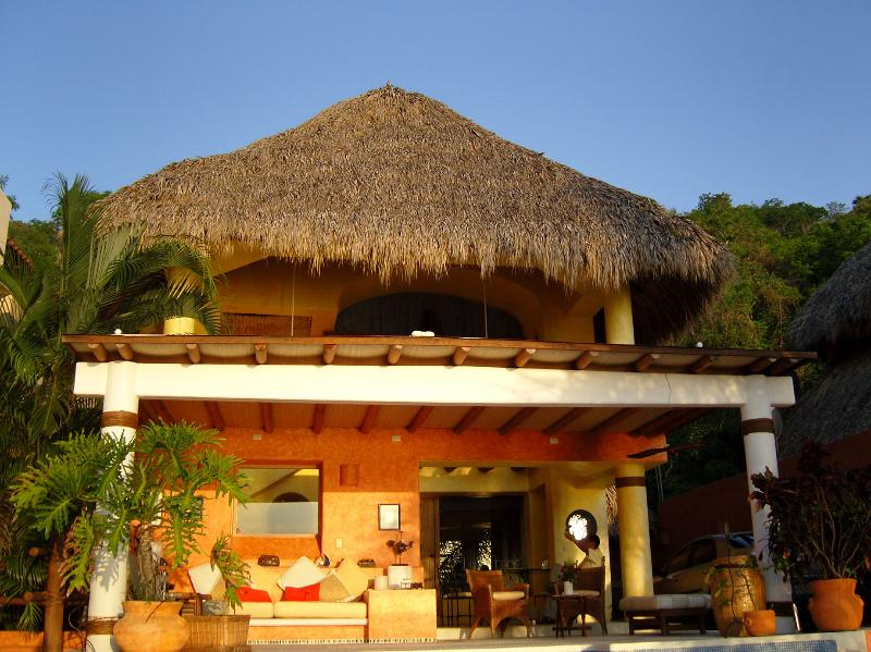 Interior view - Beatiful house, with the Pacific ocean view - Zihuatanejo - rentals