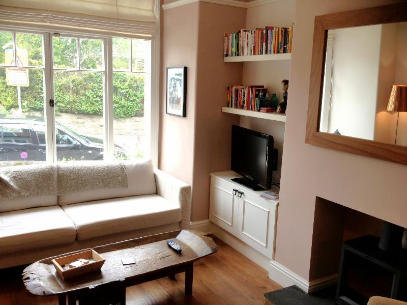 Lounge with Log Burning Fire - Chic House in lovely village great Yorks location - Boston Spa - rentals