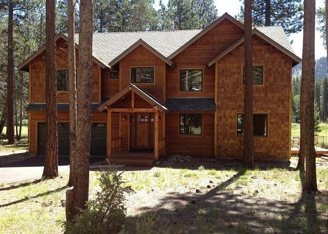 Tahoe Johnson Executive Home - Beautiful executive compound that backs to the golf course!- Three night min - South Lake Tahoe - rentals