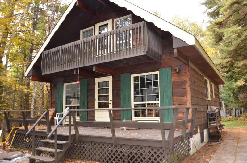 Front Exterior - Cute and Cozy Ski Chalet 1h from Ottawa - Lac-Sainte-Marie - rentals