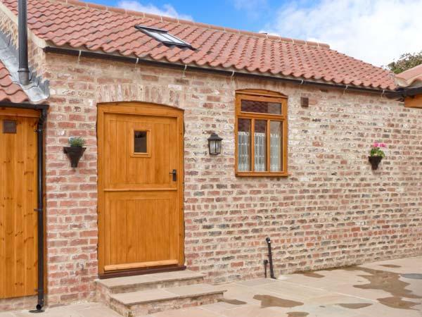 STABLE COTTAGE, single-storey, eco-friendly, romantic retreat, near Thirsk, Ref 14936 - Image 1 - Thirsk - rentals